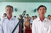 Tòa tuyên 2 nông dân phạm tội nhận hối lộ