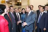 Thủ tướng gặp các đại sứ, trưởng cơ quan đại diện