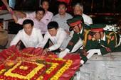 Phó Thủ tướng Vương Đình Huệ tri ân các liệt sĩ
