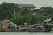 Trộm cát lộng hành trên sông Hương