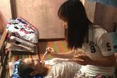 Nữ tuyển thủ đá bóng kiếm tiền chữa bệnh cho mẹ