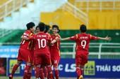 Đội tuyển nữ TP.HCM thi đấu với các cầu thủ nữ Hàn Quốc