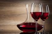 5 ly rượu vang đỏ mỗi tháng tăng khả năng thụ thai