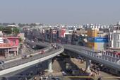 Thông xe cầu vượt, giảm kẹt xe sân bay