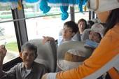 Người 70 tuổi trở lên được miễn phí đi xe buýt
