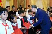 Chủ tịch nước gặp đại biểu chương trình 'Chia sẻ cùng thầy cô'