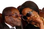 'Bóng hồng' khiến Tổng thống Zimbabwe mất cơ đồ