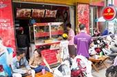 Đại gia ngoại tấn công món ăn đường phố Việt