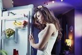 Nhịn đói khi ngủ có giúp bạn giảm cân?