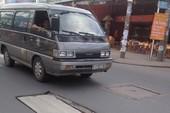 Nắp cống gãy đôi trên đường Phan Huy Ích đã được thay mới