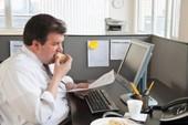 Ngồi cạnh đồng nghiệp quá cân dễ bị béo phì