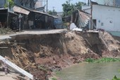 Sạt lở tại An Giang: Thêm 1 căn nhà bị trôi sông