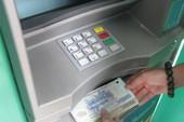 Bỗng nhiên 'bay mất' 100 triệu dù thẻ ATM vẫn trong bóp