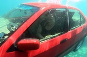 Kỹ năng thoát hiểm khi xe đang chìm