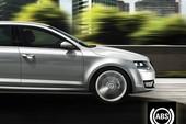 Để lái xe an toàn với hệ thống ABS