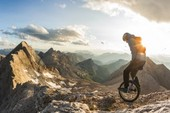 Trải nghiệm leo núi bằng xe đạp một bánh