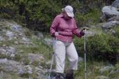 Thủ tướng Merkel: 5 năm chỉ 1 bộ đồ leo núi