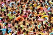 12 hồ bơi Trung Quốc đóng cửa vì 'đại nạn' tè bậy