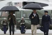 Tổng thống Trump thị sát vùng tâm bão Harvey