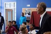 Ông Obama bất ngờ xuất hiện tại một trường học ở Mỹ