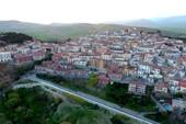 Thị trấn tuyệt đẹp trả 2.000 euro để dân đến nhập cư