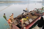 Đường dây khai thác cát trái phép 'siêu khủng' tại Hà Nội