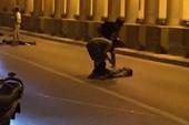 2 thanh niên phóng xe vào dải phân cách ở đường hầm