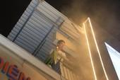5 xe cứu hỏa dập cột khói trong đêm