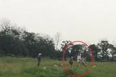 Khởi tố trưởng thôn dùng gậy sắt đánh người giữ đất