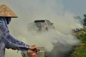 Hà Nội mịt mù khói vì nông dân đốt rơm