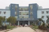 Bác sĩ bị đánh, bắt quỳ xin lỗi tại bệnh viện