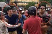Tạm giữ hai người đánh thanh niên người Mỹ