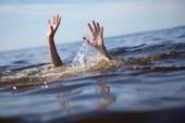 Rủ nhau đi câu cá, 5 học sinh tử vong dưới sông
