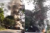 Cháy kinh hoàng, 4 ô tô bị thiêu rụi
