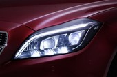 Mercedes CLS 2015: Hộp số 9 cấp và đèn LED đa tia tiêu chuẩn