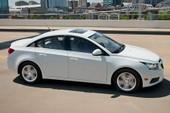 Lỗi túi khí, GM tạm ngừng bán Chevrolet Cruze