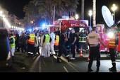 """Tổng thống Pháp Hollande: """"Nước Pháp đau đớn nhưng vẫn mạnh mẽ"""""""