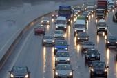 Giữ khoảng cách an toàn khi lái xe ô tô
