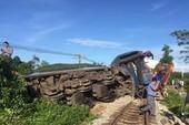 Vụ lật tàu SE3: Tài xế máy xúc cố tình vượt đường sắt