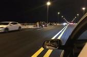 Đề nghị xử lý người dân trải chiếu trên cầu vượt biển
