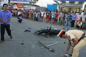 Tai nạn kinh hoàng ở ngã tư, 2 đứa trẻ chết thảm