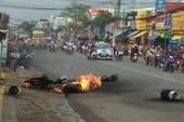 Xe chở gas cháy nổ trên đường, dân chạy tán loạn