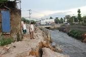 Phó chủ tịch TP Biên Hòa bị kỷ luật vì bờ kè sập đổ