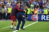 HLV Fernando Santos ca ngợi Ronaldo lên tận mây xanh