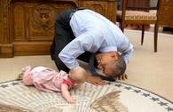 Khi ông Obama 'tập bò' và chụp selfie với trẻ nhỏ