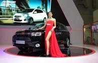 Dàn mẫu 'chân dài' khuấy động Motorshow 2014