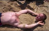 Những tình huống 'khó đỡ' trên bãi biển