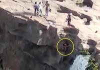 Mải chụp ảnh tự sướng, người đàn ông rơi xuống thác tử vong
