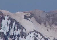 Ngoạn mục trực thăng hạ cánh bằng đuôi vì thời tiết xấu