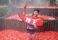 'Vua ớt' Trung Quốc, 1 phút ăn 20 quả ớt